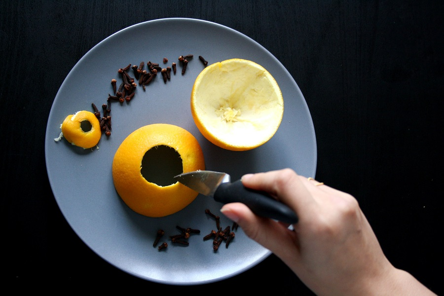 Orangenteelicht mit Nelken selber machen: Schritt 4