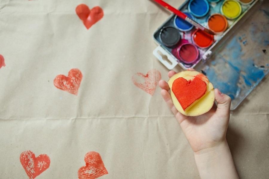 Kartoffelstempel Kinderhand Herz